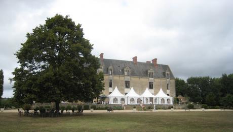Séminaires & Mariages Château Anniversaires Groupes Challans Vendée restauarn t location parc